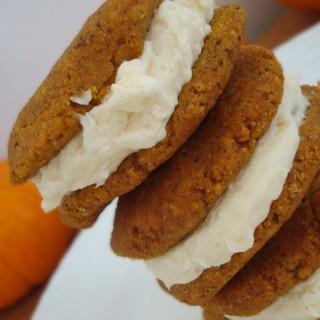 Pumpkin Cream Pies {Gluten-Free & Sugar-Free}
