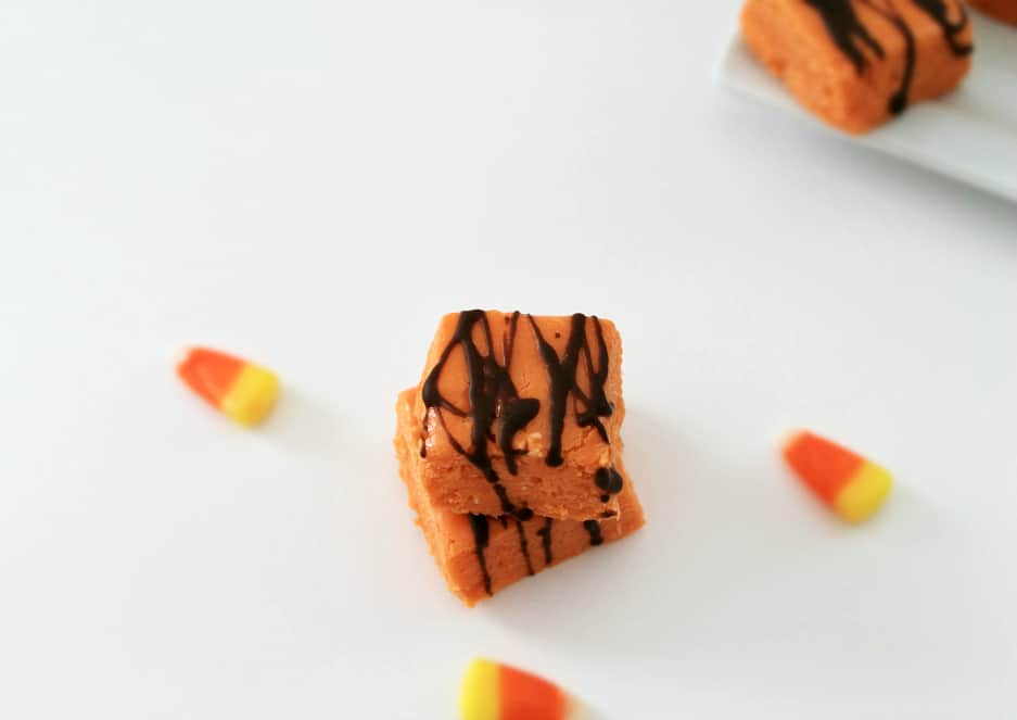 Butterfinger Fudge #Fudge #CandyCorn #Yummy #Chocolate #Desserts