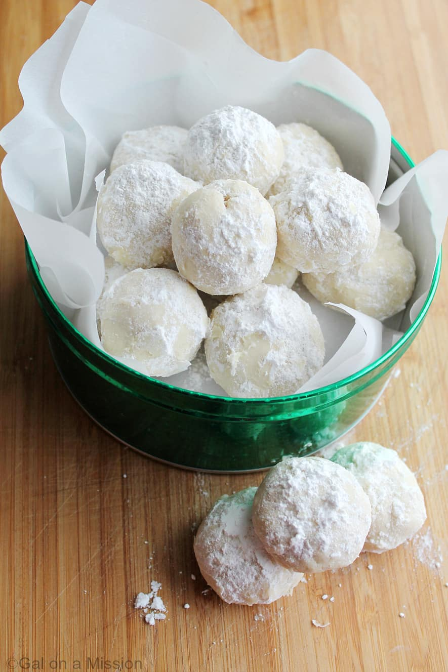 Snowball Cookies #10DaysofCookies