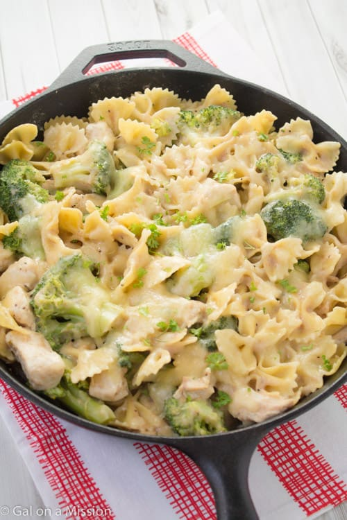 love this chicken pasta casserole! It's packed with broccoli, pasta ...