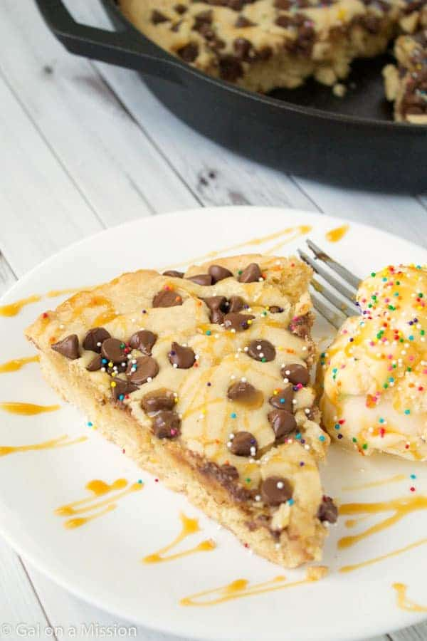 Deep-Dish Chocolate Chip Skillet Cookie