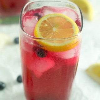 Refreshing Blueberry Lemonade