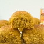 Delicious Pumpkin Spice Dinner Rolls Recipe via @galmission