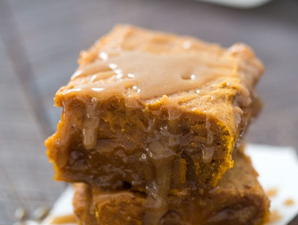 Pumpkin Caramel Blondies - Outrageously gooey and rich! The perfect dessert for fall.
