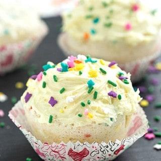 Easy 1-Minute Funfetti Mug Cupcake