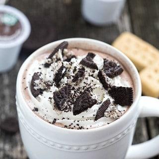 Easy Cookies 'n Cream Hot Chocolate