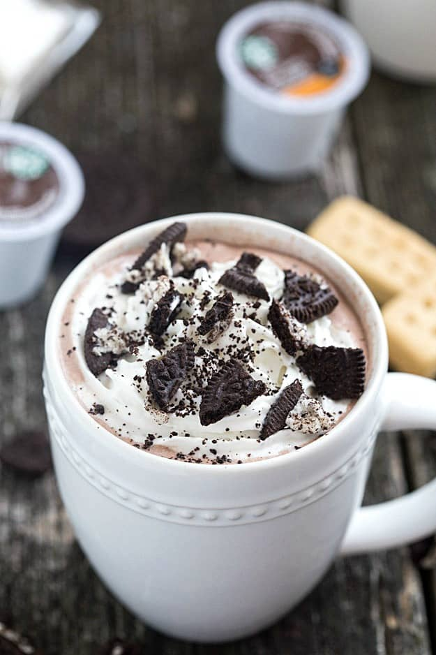 Easy Cookies 'n Cream Hot Chocolate Recipe - Ultra creamy and decadent ...