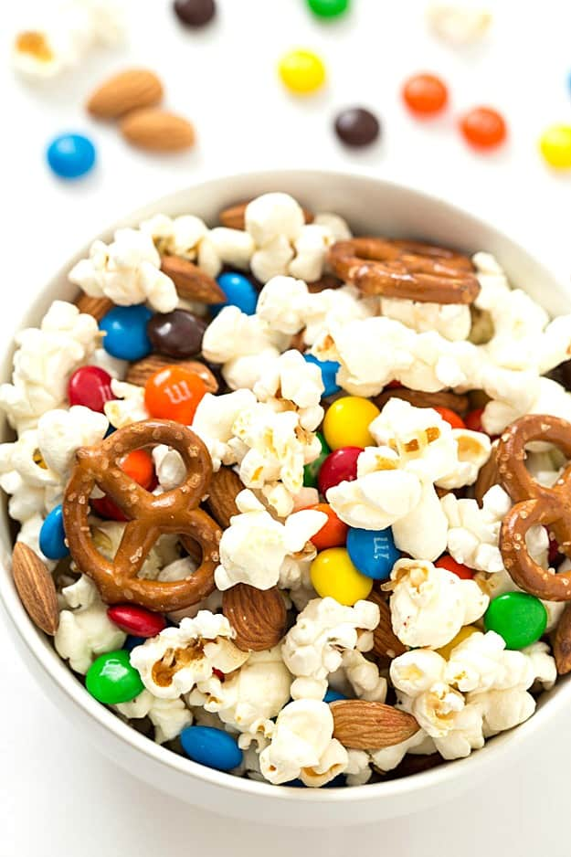 sweet-salty-popcorn-mix