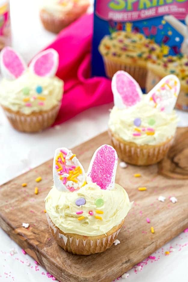 Incredibly Easy Easter Cupcakes - Take boxed cake mix to the next level! So light and fluffy with the perfect decorations for Easter! #MixUpAMoment