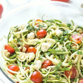 """Simple Caprese Zucchini Summer """"Pasta"""" Salad"""