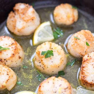 Lemon Garlic Scallops with Black Truffle Sea Salt
